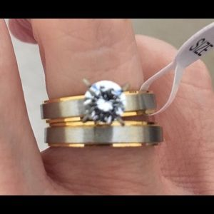 New CZ 2 Piece stainless steel wedding ring size 7